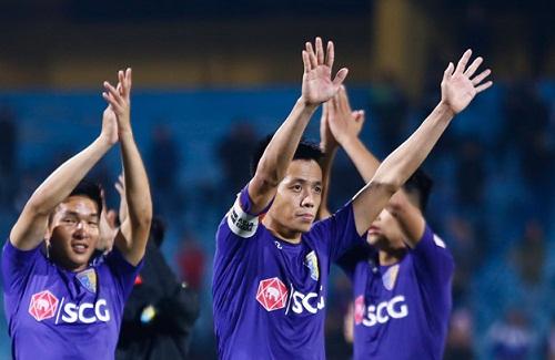 'V.League khiến ta mất niềm tin, Văn Quyết xứng đáng Quả bóng Vàng'