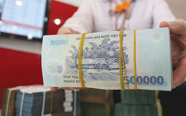 Bốn dấu hiệu phản ánh ngân hàng bước vào đoạn ''thừa tiền''