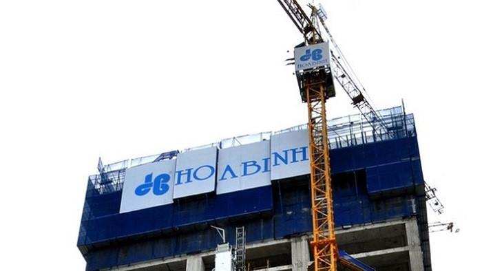 Con trai Chủ tịch Xây dựng Hòa Bình chi gần 31 tỷ đồng mua cổ phiếu HBC